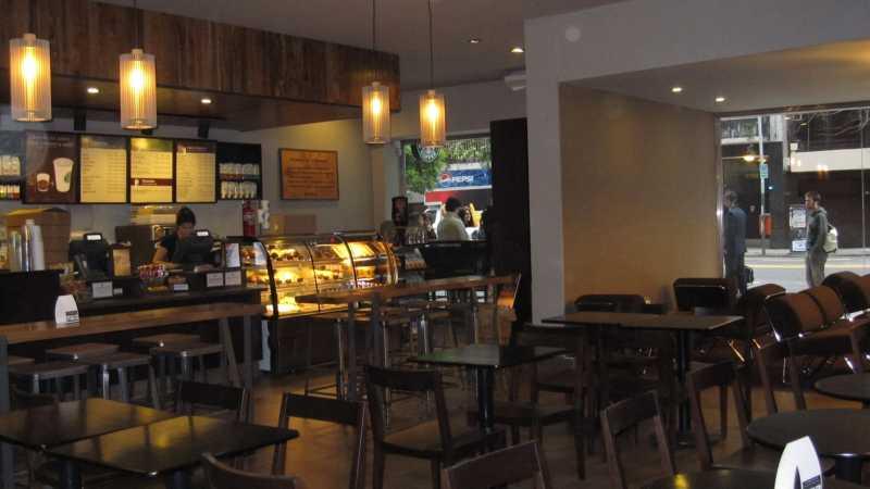 Starbucks Coffee International, una subsidiaria de Starbucks Coffee Company (Nasdaq: SBUX) y la Operadora Internacional Alsea, S.A. de C.V., una subsidiaria de Alsea S.A.B. de C.V., a través de la compañía de joint-venture, Starbucks Coffee Argentina S.R.L., anuncian la apertura de dos nuevas tiendas en Capital Federal, en la zona de Recoleta y el pintoresco barrio de Puerto Madero, alcanzando un total de 25.