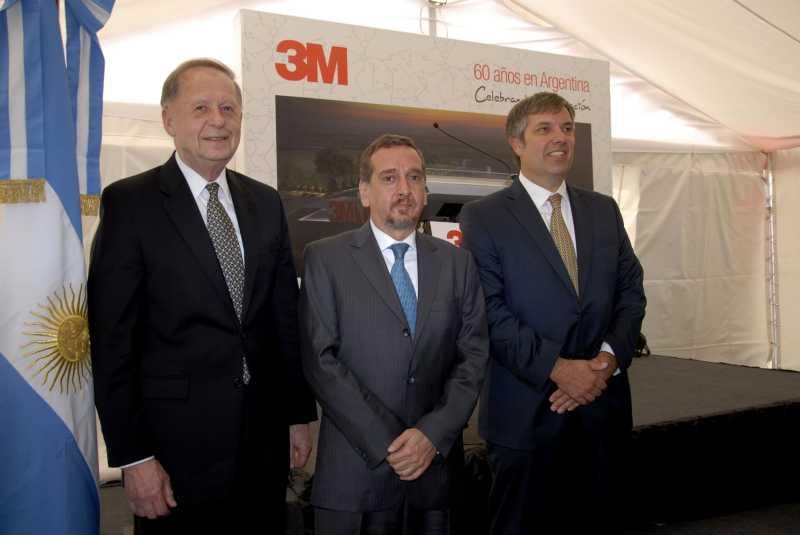3M descubrió la piedra fundamental del Centro de Innovación y Desarrollo en Garín