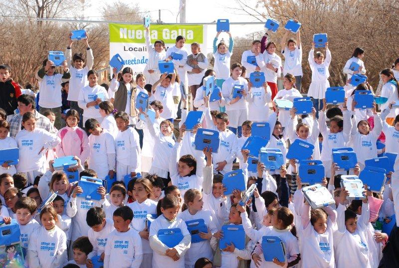 La Universidad de la Punta comenzó la entrega de notebooks a los chicos sanluiseños