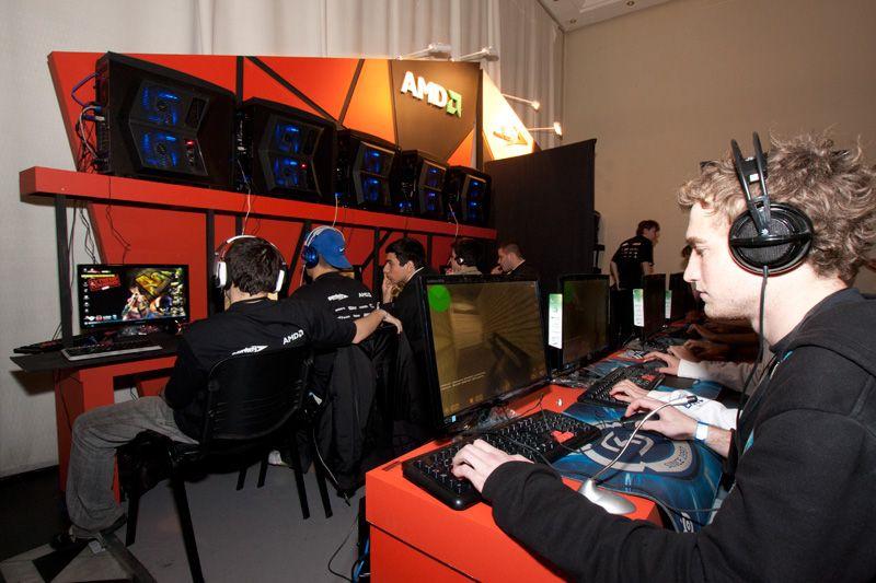 """Más de 1.500 personas participaron de """"Extreme Experience Unlimited 2011"""" junto a Sentey y AMD"""