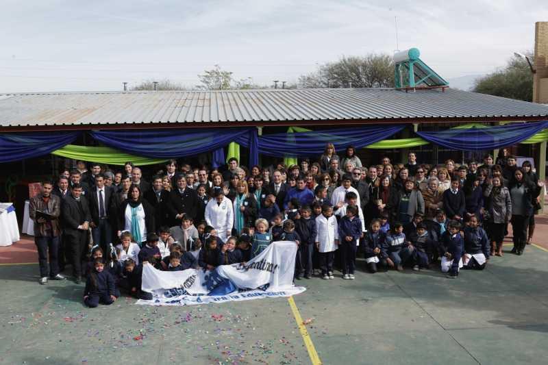 Ford y sus concesionarios reinauguran una escuela en Catamarca