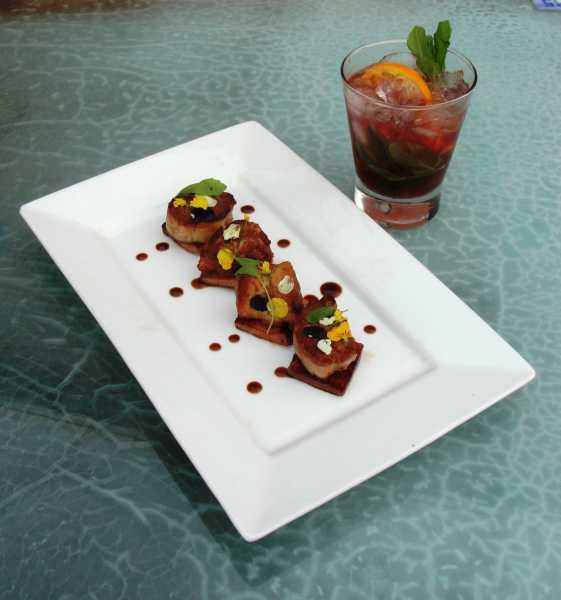 Godoy Restaurant presenta su fresco menú de tapeos maridados con tragos primaverales