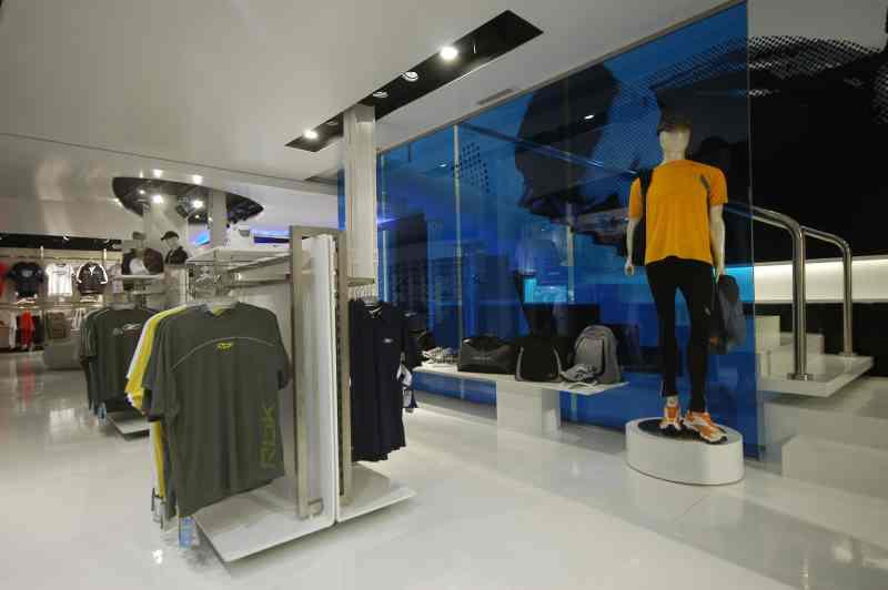 Reebok, marca líder en calzado e indumentaria deportiva, abre las puertas del 1º Concept Store en Argentina