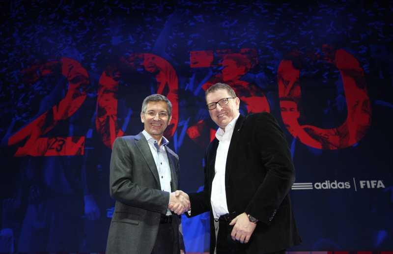 adidas extiende su asociación con la FIFA hasta 2030