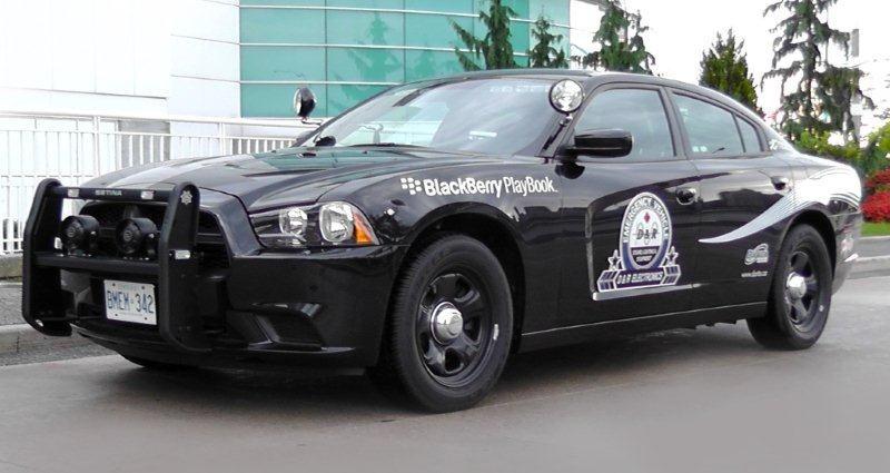 Dodge Charger de la policía con BlackBerry PlayBook se exhibe en la Conferencia de la Asociación Canadiense de Jefes de Policía 2011 en Windsor