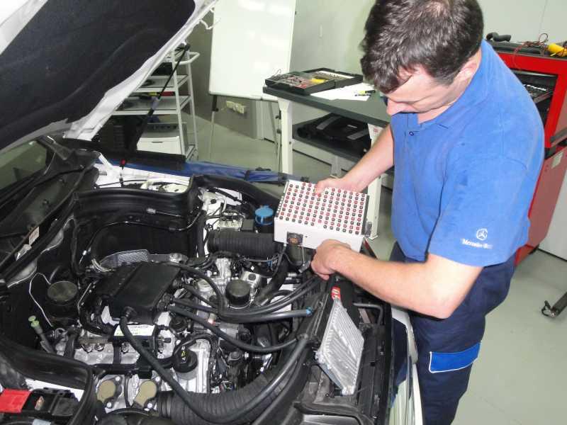 Mercedes-Benz Argentina, a la vanguardia en formación de técnicos