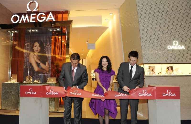 OMEGA inauguró nueva boutique en Singapur y lanzó los nuevos Constellation con la presencia de su nueva embajadora Zhang Ziyi