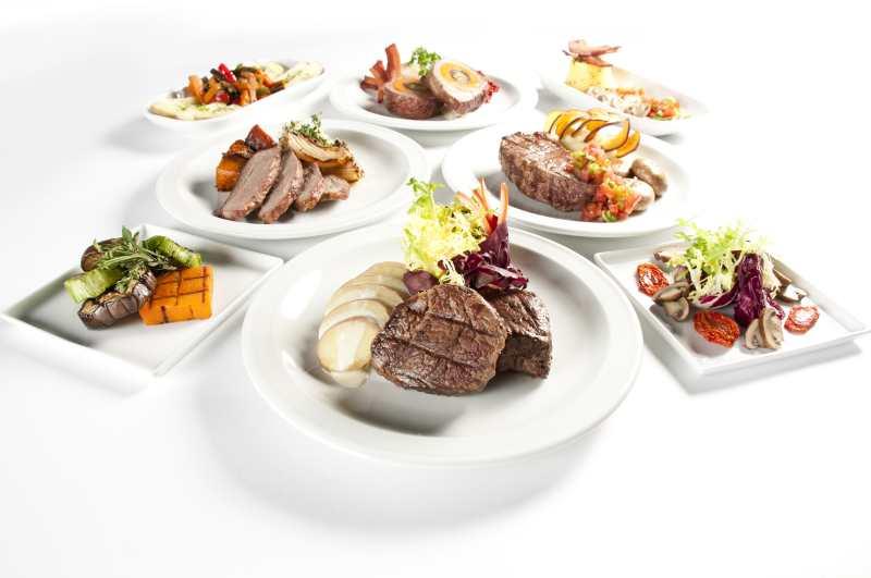 gama gourmet presenta su l nea de carne en cocina de