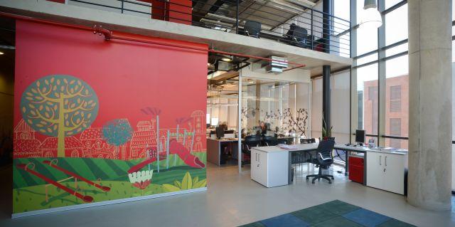 Ambientes de trabajo estimulantes: arte en la oficina