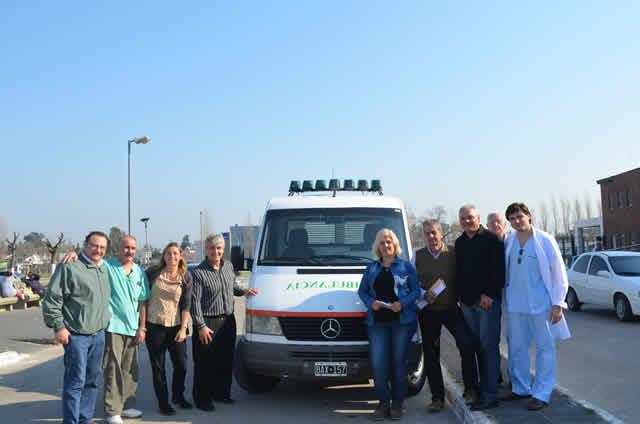 Mercedes-Benz dona ambulancia a Hospital de González Catán
