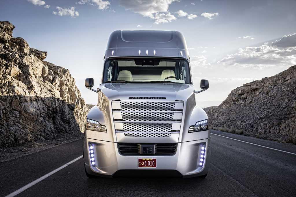 Daimler continúa haciendo historia