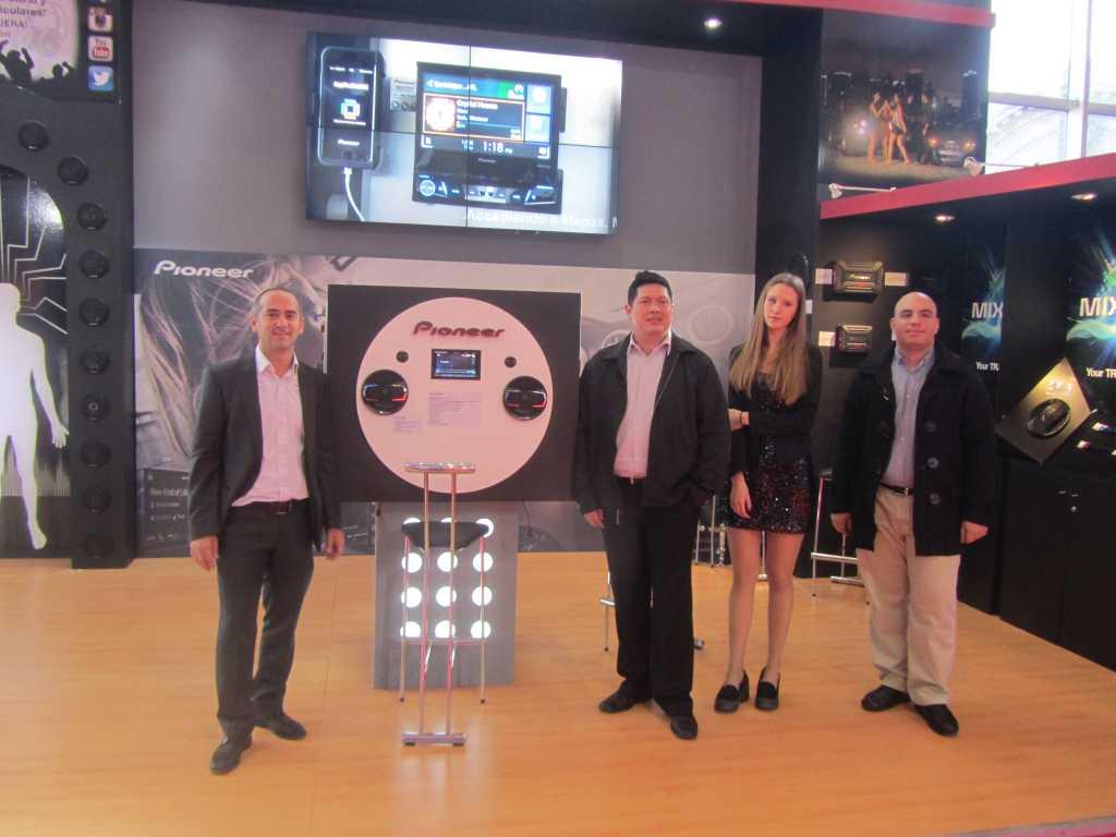 Pioneer revoluciona el sonido de la industria automotriz en el 7° Salón Internacional del Automóvil