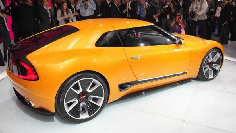 El concept GT4 Stinger, sobre el que aprece basarse el nuevo Kia deportivo, se presentó en el Salón de Detroit 2014.