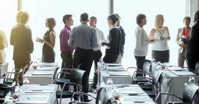 Emprendedores en redes humanas: más allá del networking y el tráfico de influencias