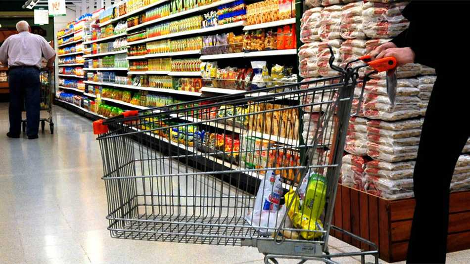 El consumo cayó 4% en 2016