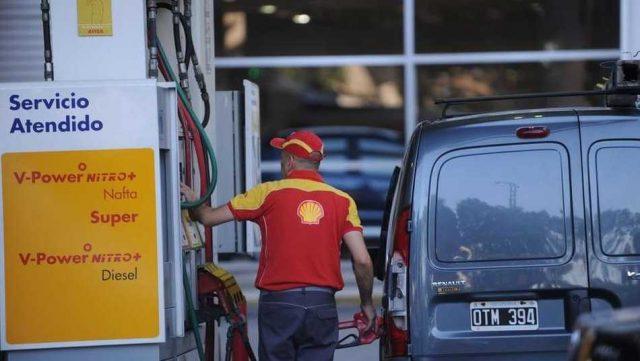 YPF analiza comprar la red de Shell por US$ 900 millones