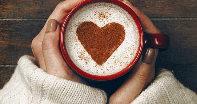 ¿Están las marcas obsesionándose demasiado con el amor, la felicidad y las emociones?