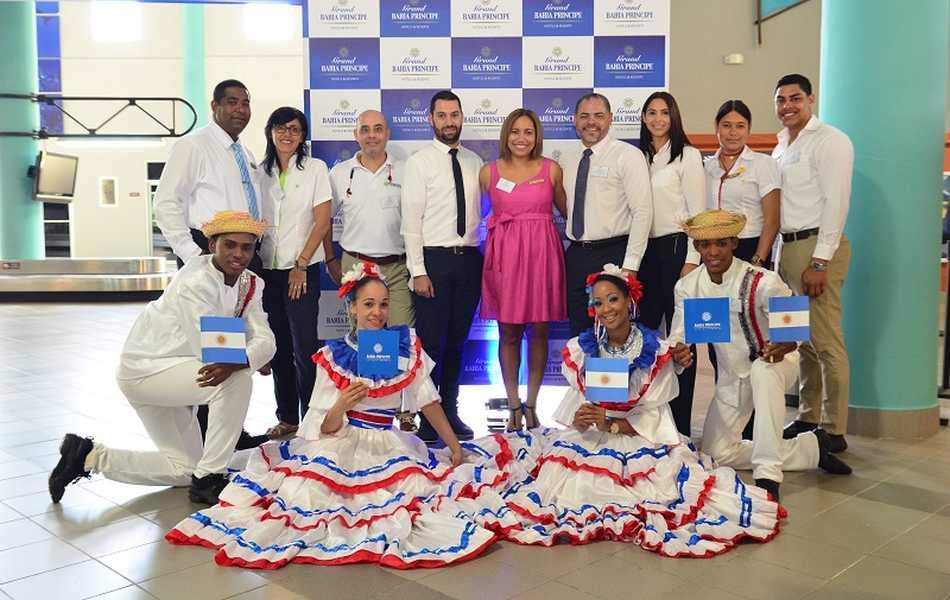 Bahia Principe recibió a los primeros turistas del vuelo entre Aeroparque y Samaná