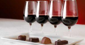 Baco Club organiza una cata de chocolates y vino