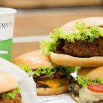 La marca de hamburguesas gourmet Dean & Dennys prepara su desembarco en Rosario