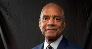 El CEO de American Express deja el cargo tras 37 años en la compañía
