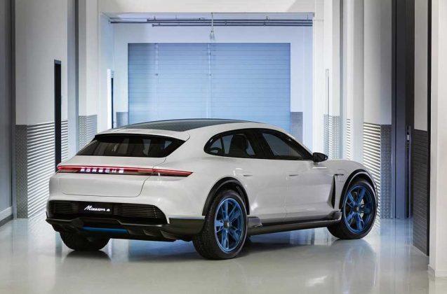 Porsche presentó el Mission E Cross Turismo