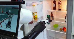 Robot que busca la cerveza preferida en la heladera y la trae