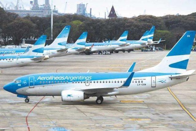 Aerolíneas Argentinas desafía a las compañías low cost y modifica su cuadro tarifario