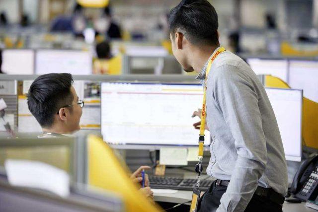 DHL ofrece gestionar online toda la logística de embarques aéreos y marítimos