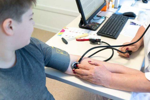 Hipertensión arterial en la infancia: un riesgo desapercibido por médicos y padres