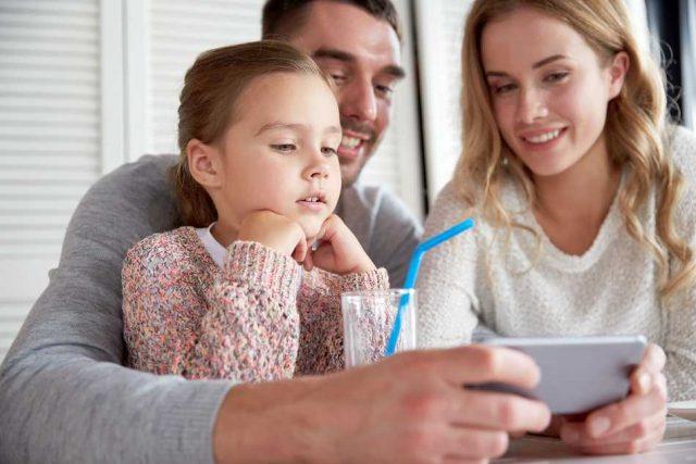 Cuidado y privacidad: ¿Cómo verificar lo que su hijo hace en su teléfono?