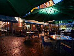 Restaurant Cabaña Las Lilas al aire libre
