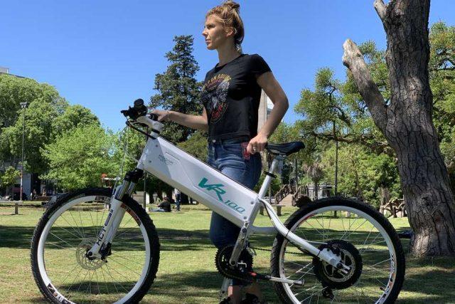 Bicis eléctricas, la opción de transporte que suma beneficios y es elegida por las mujeres