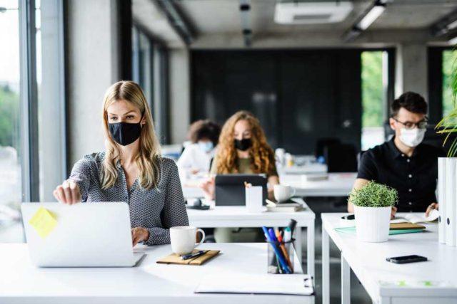 ¿Realmente el COVID-19 va a eliminar el trabajo en la oficina?