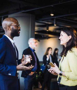 Cómo los emprendedores pueden maximizar la creación de redes para aumentar la financiación